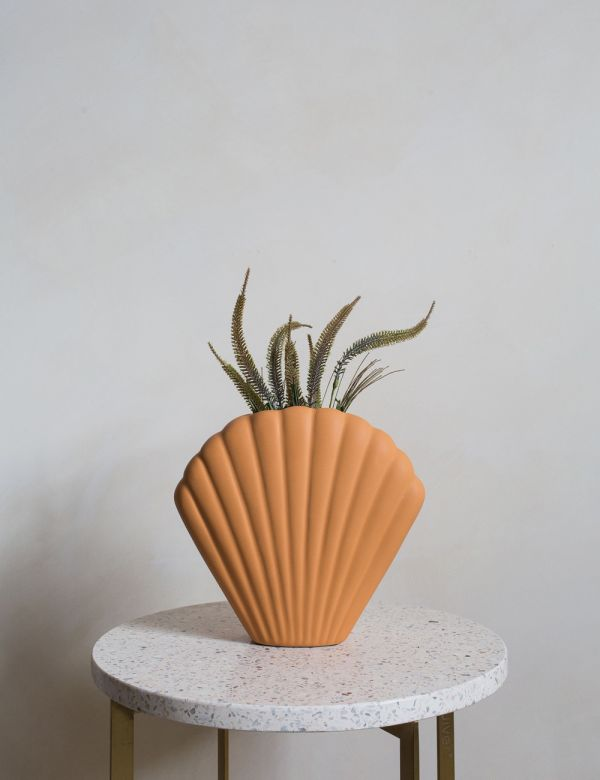 Ceramic Shell Vase - Peach