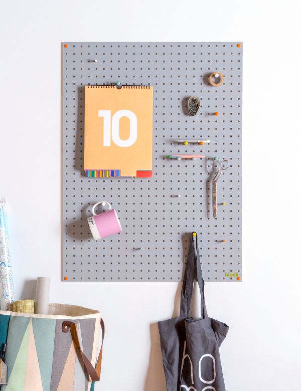 Pegboard in Grey