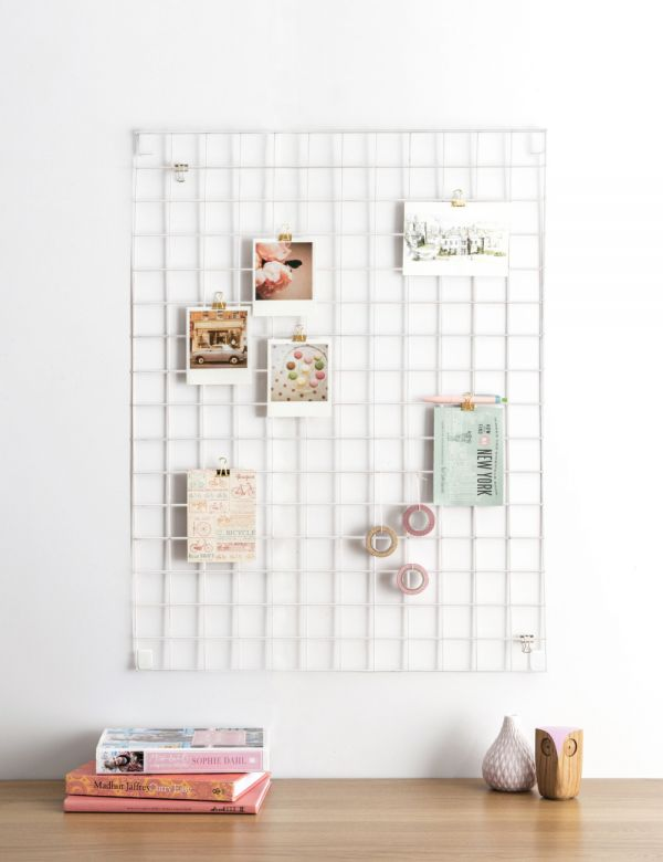 White Wire Mesh Memo Board