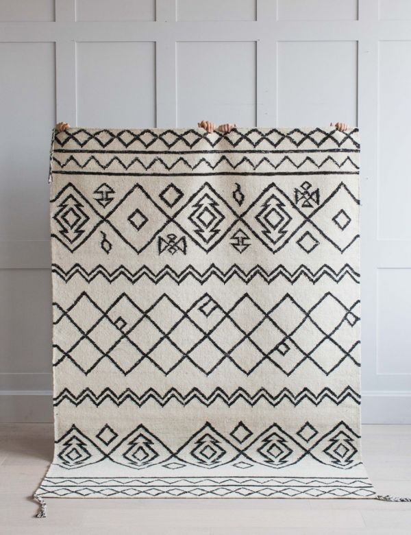 White & Black Geometric Print Rug