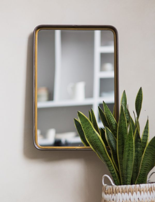 Earl Mirror with Shelf