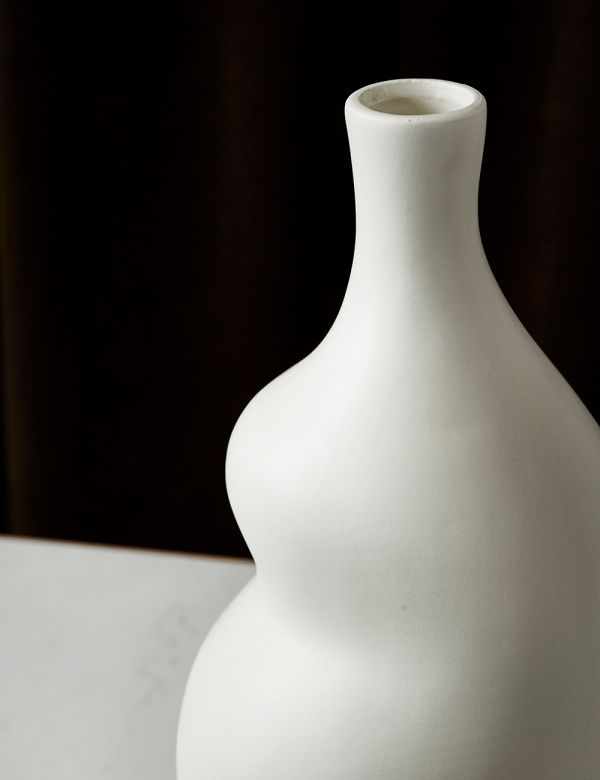 White Ceramic Curve Vase