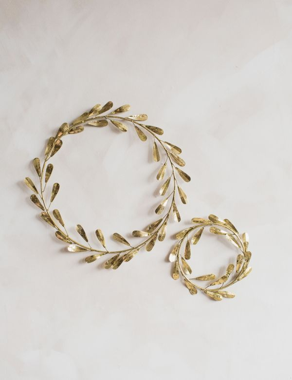 Gold Mistletoe Wreath - Two Sizes Available