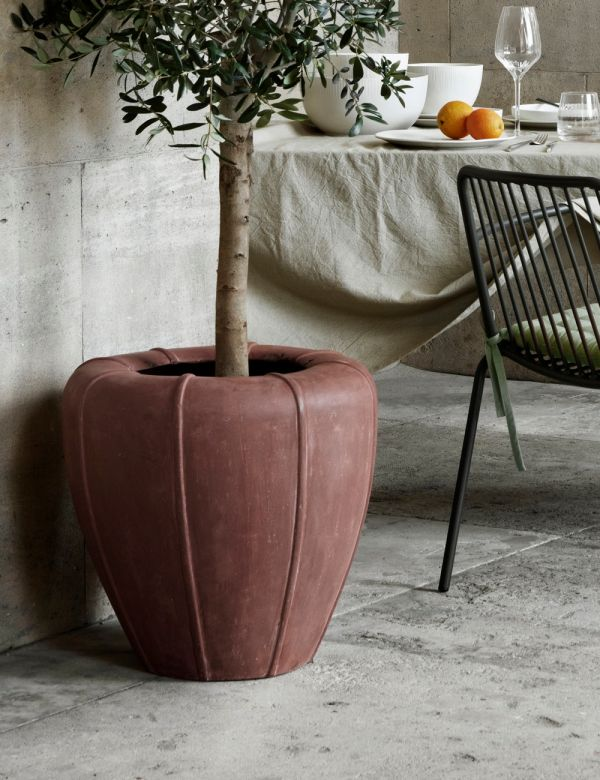 Lizzy Outdoor Fibreclay Plant Pot - Terracotta