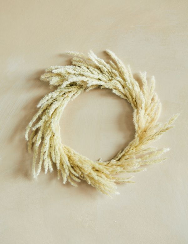 Small Dried Grasses Wreath