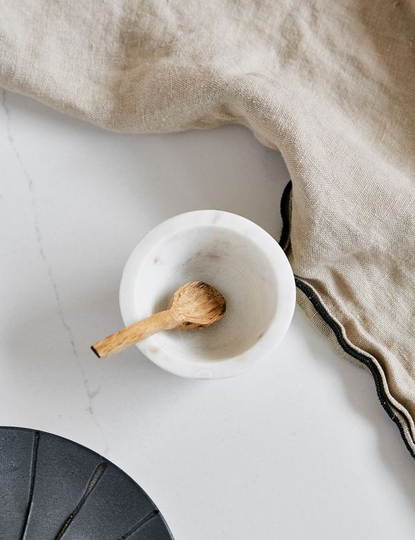 White Marble Pinch Pot With Wooden Spoon